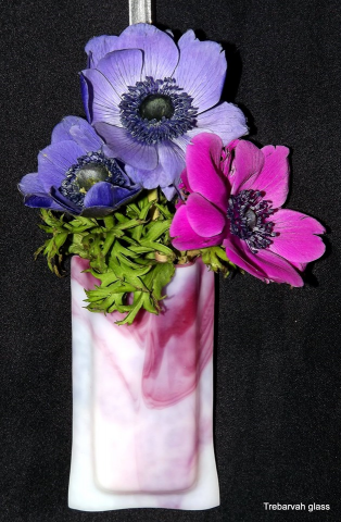 Small_wall_vase_4.png